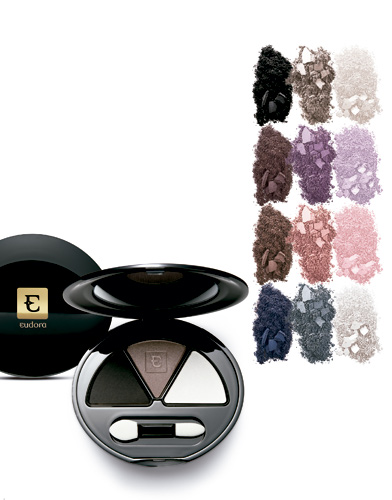 As quatro combinações de cores do trio de sombras Color Attraction (R$ 55)